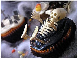 Skelly_cupcake